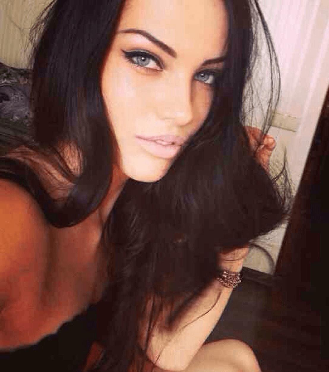 jolie salope brune femme pute algerienne