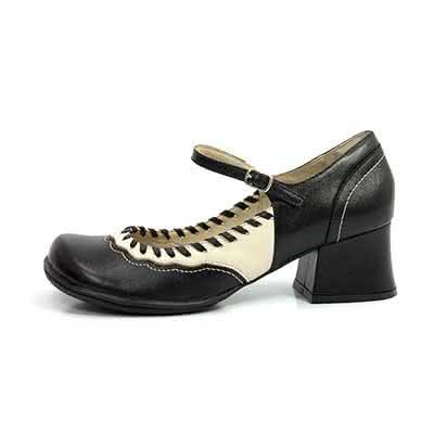 Sapatos com Salto Quadrado